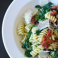 Pasta with Mascarpone Garlic Spinach and Bacon