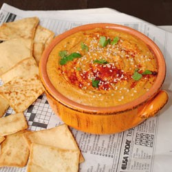 Roasted Red Pepper Tomato Pesto Hummus
