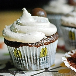 Chocolate Malt Cupcakes with Maple Marshmallow Filling Recipe