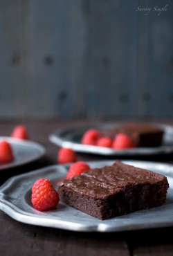 Dark Chocolate Raspberry Brownies Recipe