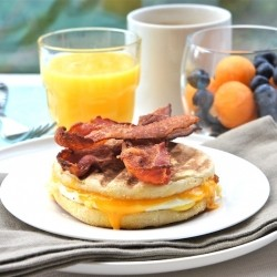 Egg Muffin Sandwiches With Crispy Bacon Strips