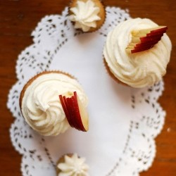 Cinnamon Cupcakes with Warm Caramelized Apple Hearts and Cream Cheese Frosting Recipe