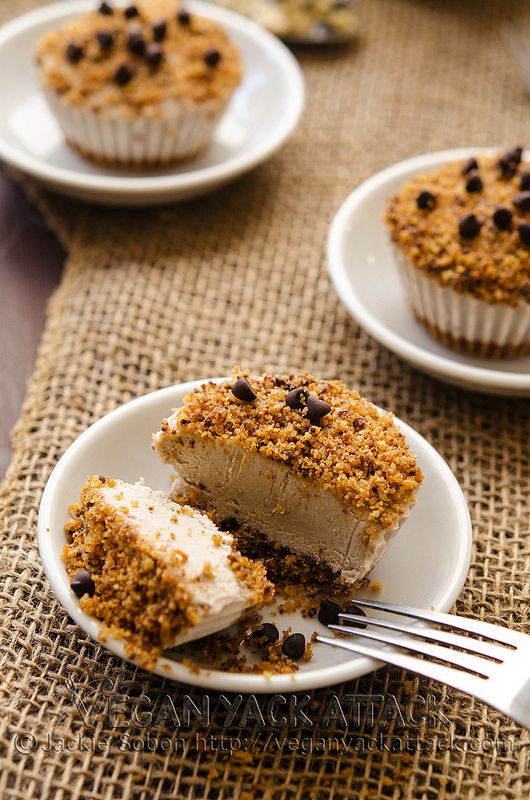 Mini Chocolate Chip Banana Cheesecake