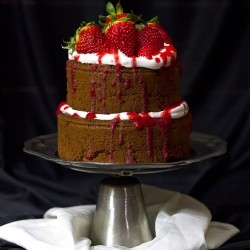 Strawberries and Meringue Cake Recipe
