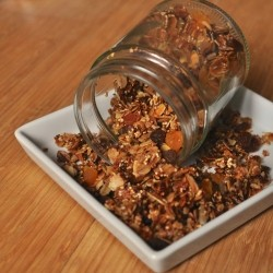 Homemade Healthy Apricot Granola Recipe