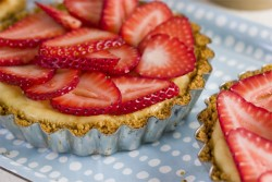 Strawberry Cheesecake Tartlets Recipe