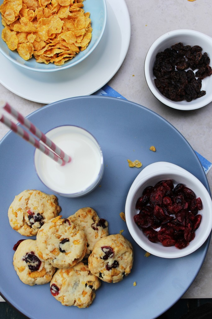 Cornflake Cranberry and Raisin Cookies Recipe