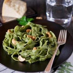 Spinach Pasta with Basil Parsley Cashew Pesto Recipe