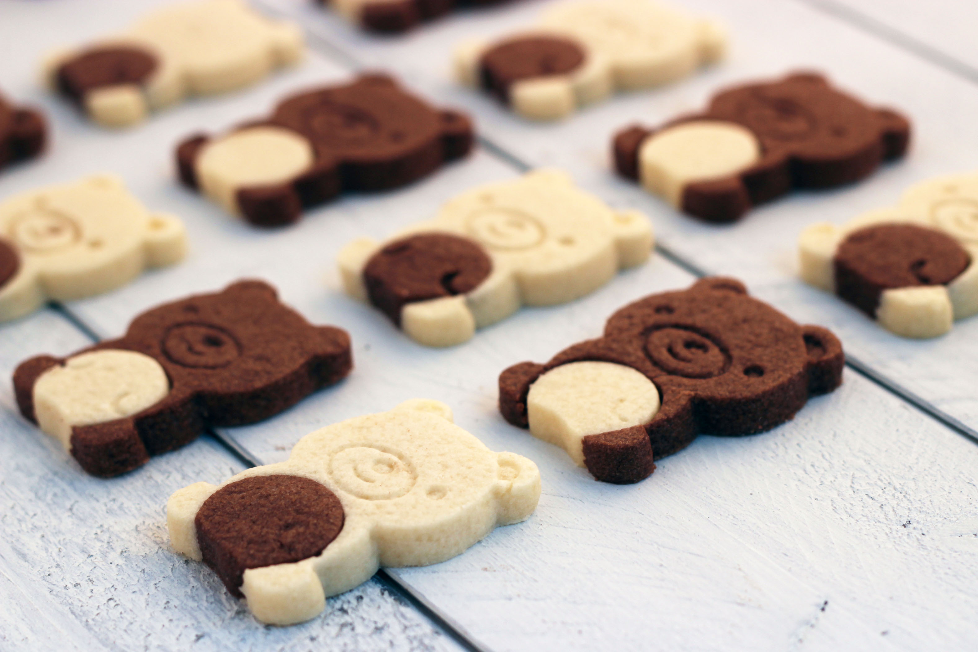 Two Tone Teddy Bear Cookies