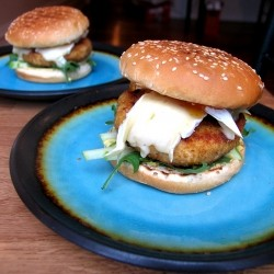 Brie Chicken Burgers Recipe