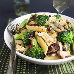 Chicken Broccoli Sun Dried Tomato Pasta