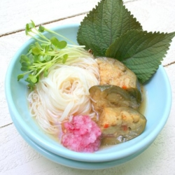 Cold Somen Noodles with Spicy Eggplant Recipe