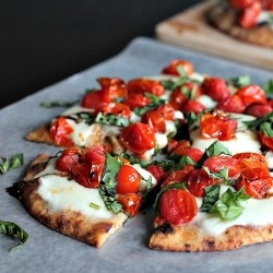 Roasted Tomato Caprese Flatbread Recipe