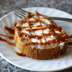 Pumpkin Roll Cake with Spiced Cream Cheese Filling