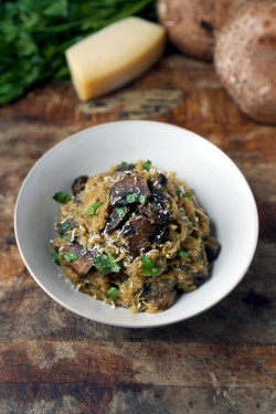 Spaghetti Squash Recipe with Mushrooms and Parmesan (VIDEO) – Pickled Plum Food And Drinks