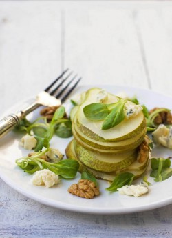 Pear Salad with Blue Cheese and Walnuts Recipe