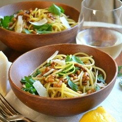 Spaghetti with Roasted Pine Nuts