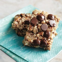 Chocolate Pretzel Granola Bars Recipe