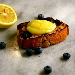 Grilled Blueberry Bread with Lemon Curd Recipe