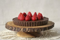 Raw and Vegan Chocolate Hazelnut Tart Recipe