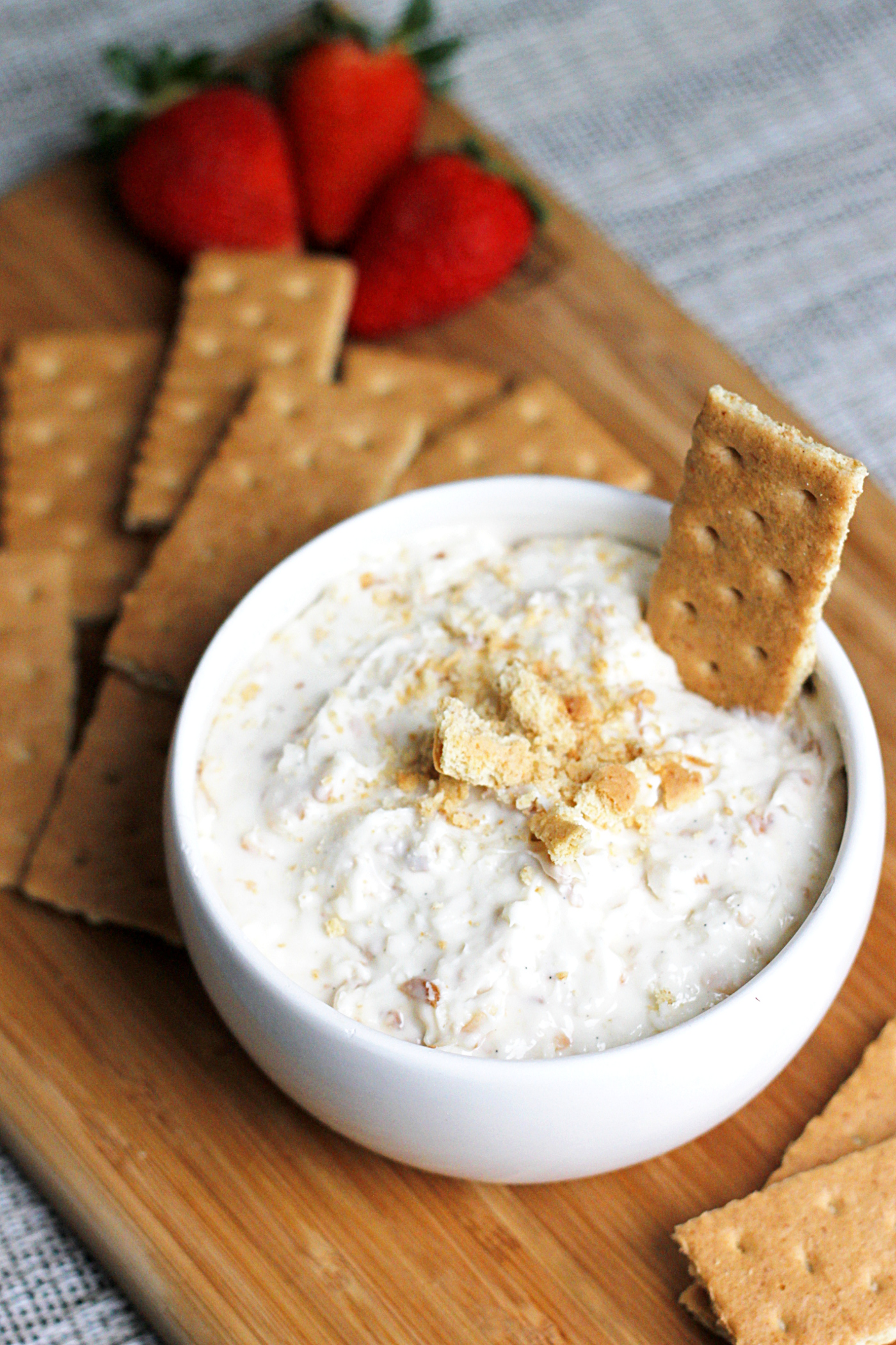 Toasted Coconut Cheesecake Dip
