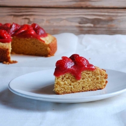 Cake with Strawberry Coulis