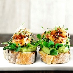 Garlic Chili Prawn Sandwich with Avocado Cream Recipe