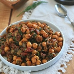 Indian Chickpeas with Tomatoes and Dill