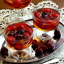 Sparkling Wine Jelly with Strawberries and Sweet Cherries Recipe