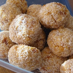 Apricot Oat Slices Disguised as Snowballs