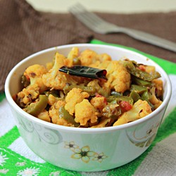 Cauliflower Capsicum Curry Recipe