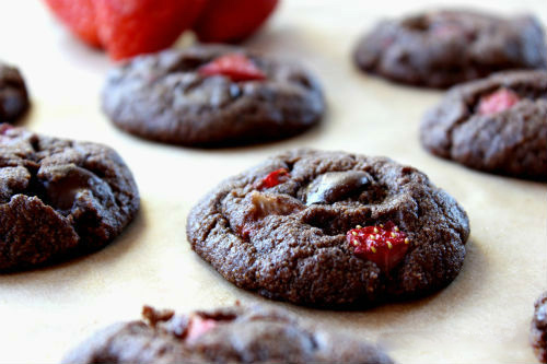 Chocolate Strawberry Brownie Cookies Recipe