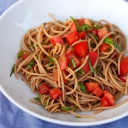 Spaghetti with Fresh Tomatoes and Basil