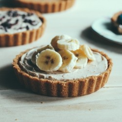 No Bake Almond Cream Tartlets Recipe