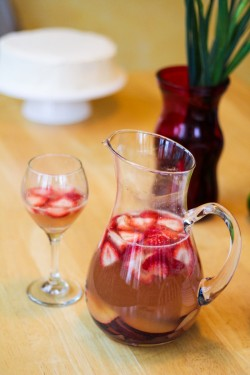Sparkling Strawberry Sangria