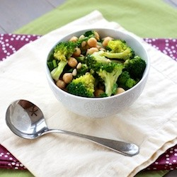 Broccoli Chickpeas Salad with Lemon