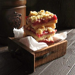 Brown Butter Strawberry Streusel Bars Recipe