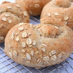 Homemade Rolls with Beer and Oats