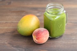 Peach Kale Mango Smoothie Recipe