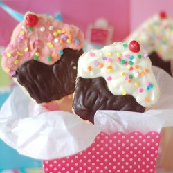Rice Krispies Treats Cupcake Pops