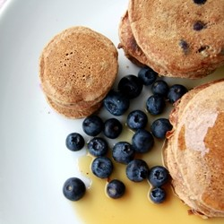 Cinnamon Blueberry Cornmeal Pancakes Recipe