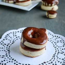 Homemade Baked Doughnuts with Chocolate glaze Recipe