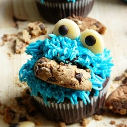 How to Make Cookie Monster Cupcakes