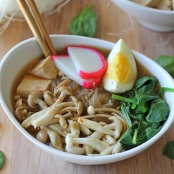 Miso Soup with Vermicelli Mushrooms and Tofu