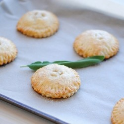 Pear Sage Toasted Vanilla Hand Pies Recipe