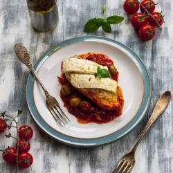 Baked Chicken in Tomato Sauce with Olives