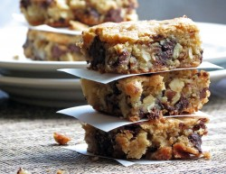 Blondies with Walnuts Recipe