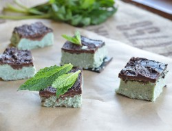 Cashew Mint Chocolate Cheesecake Bars Recipe