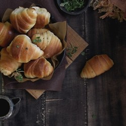 Garlic and Herb Crescent Rolls Recipe