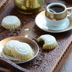 Middle Eastern Date Filled Cookies Recipe